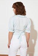 TRENDYOLMİLLA Mavi Petite Fırfırlı Bluz TWOSS21BZ1448