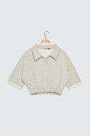 TRENDYOLMİLLA Gri Polo Yaka Crop Örme Sweatshirt TWOSS21SW0055