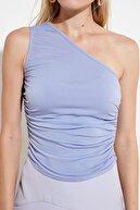 TRENDYOLMİLLA Mavi Büzgülü Tek Omuz Örme Bluz TWOSS21BZ0590