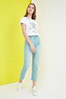 TRENDYOLMİLLA Mint Yüksek Bel Mom Jeans TWOSS21JE0098