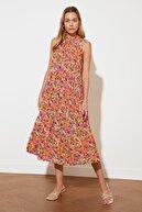 TRENDYOLMİLLA Turuncu Desenli Elbise TWOSS20EL0573
