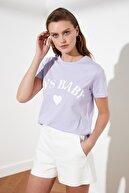 TRENDYOLMİLLA Lila Baskılı Basic Örme T-Shirt TWOSS19VG0155