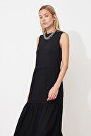 TRENDYOLMİLLA Siyah Geniş Kesim Elbise TWOSS20EL1864