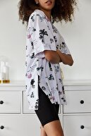 HAKKE Kadın Ekru Baskılı Yandan Yırmaçlı Oversize Viskon T-shirt