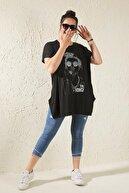 Siyezen Kadın Siyah Büyük Beden Salaş Figürlü T-shirt