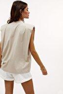 Madmext Kadın Bej Vatkalı Tişört Mg900