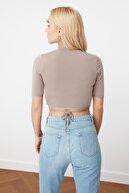 TRENDYOLMİLLA Vizon Bağlama Detaylı Örme Bluz TWOSS20BZ0156
