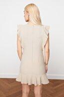 TRENDYOLMİLLA Taş Fırfır Detaylı Elbise TWOSS19XB0075