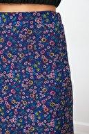 TRENDYOLMİLLA Çok Renkli Çiçek Desenli Tül Örme Etek TWOSS20ET0156