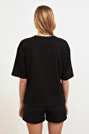 TRENDYOLMİLLA Siyah Baskılı Loose Örme T-Shirt TWOSS21TS0316