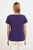TRENDYOLMİLLA Lacivert %100 Pamuk V Yaka Basic Örme T-Shirt TWOSS20TS0129