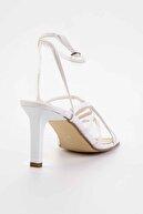 Bambi Beyaz Kadın Klasik Topuklu Ayakkabı K05503530309