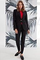 Journey Kadın Siyah Yaka Ön Nervür Detaylı Ceket