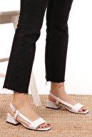 Mio Gusto Cindy Beyaz Kısa Topuklu Sandalet