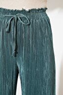 TRENDYOLMİLLA Yeşil Örme Pantolon TWOSS21PL0211
