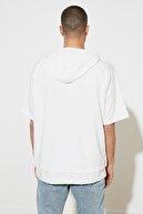 TRENDYOL MAN Ekru Erkek Oversize Kapüşonlu Kısa Kollu Sweatshirt TMNSS21SW0179