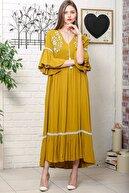 Chiccy Kadın Hardal Çiçek Nakışlı V Yaka Kol Ve Etek Ucu Dantelli Dokuma Salaş Elbise M10160000EL95902