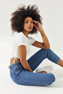 Reyon Kadın Beyaz Yanları Büzgülü Kısa Kol Kaşkorse Bluz