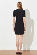 TRENDYOLMİLLA Siyah Cut Out Detaylı Elbise TWOSS21EL1477