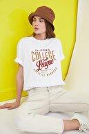 TRENDYOLMİLLA Beyaz Baskılı Boyfriend Örme T-Shirt TWOSS21TS0628