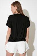 TRENDYOLMİLLA Siyah Baskılı Örme T-Shirt TWOSS21TS0832