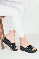 Weynes Kadın Siyah Rugan Üç Bant Dolgu Topuk Terlik