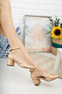 MERVE BAŞ ® Gold Cilt Bilekten Tek Bant Kalın Topuklu Klasik Ayakkabı