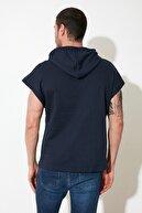 TRENDYOL MAN Lacivert Erkek Kapüşonlu Oversize Kısa Kollu  Sweatshirt TMNSS20SW0148