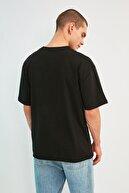 TRENDYOL MAN Siyah Erkek Oversize Kısa Kollu T-Shirt TMNSS21TS1197