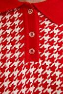 TRENDYOLMİLLA Kırmızı Jakarlı Polo Yaka Triko Kazak TWOSS21KZ0007