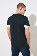 TRENDYOL MAN Lacivert Erkek Slim Fit Bisiklet Yaka Kısa Kollu Renk Bloklu T-Shirt TMNSS20TS0623