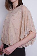Jument Kadın Dantel Tül Detaylı Kayık Yaka Yarasa Kol Içi Astarlı Bluz-Bej Çiçek
