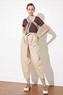 TRENDYOLMİLLA Taş Kemer Detaylı Yüksek Bel Slouchy Jeans TWOSS21JE0267