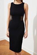 TRENDYOLMİLLA Siyah Bel Detaylı Elbise TPRSS21EL2191