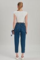 Modaca Paça Düğme Detay Eskitmeli Mom Jean Lacivert