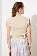 TRENDYOLMİLLA Bej Büzgü Detaylı Örme Bluz TWOSS21BZ0176