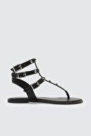 Trendyol Shoes Siyah Zımba Detaylı Kadın Sandalet TAKSS21SD0006