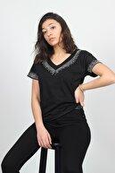 AlpinTeks Kadın Siyah V Yaka Taşlı T-shirt