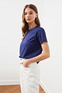 TRENDYOLMİLLA Lacivert-Beyaz 2'li Paket Bisiklet Yaka Basic Örme T-Shirt TWOSS21TS0408