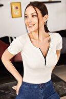 armonika Kadın Beyaz Önü Fermuarlı Kısa Kol Bluz ARM-21K108035