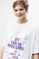 GRIMELANGE DREAM Kadın Beyaz Mor Baskılı Oversize T-shirt