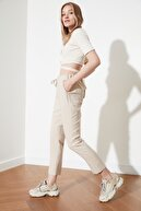 TRENDYOLMİLLA Bej Bağlama Detaylı Pantolon TWOSS19ST0212