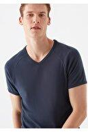 Mavi V Yaka Lacivert Basic Tişört
