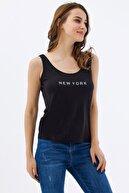 Pattaya Kadın Siyah New York Baskılı Askılı  T-Shirt