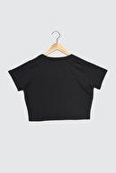 TRENDYOLMİLLA Siyah %100 Organik Pamuk Crop Örme T-Shirt TWOSS21TS1438