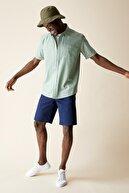 Defacto Erkek Lacivert Regular Fit Bermuda Şort R4324AZ21SM