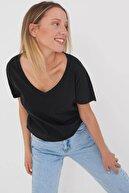Addax Kadın Siyah V Yaka T-Shirt P0344 - W12W13 Adx-0000022052