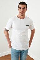 TRENDYOL MAN Beyaz Erkek Regular Fit Sırt Baskılı T-Shirt TMNSS20TS1484