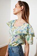TRENDYOLMİLLA Çok Renkli Volanlı Bluz TWOSS21BZ1243