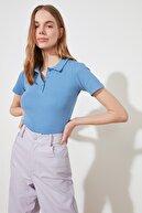 TRENDYOLMİLLA Mavi Düğme Detaylı Fitilli Örme Bluz TWOSS19FV0084